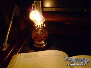 クラシカルなランプに癒やされる・灯りの歴史とオイルランプの勧め