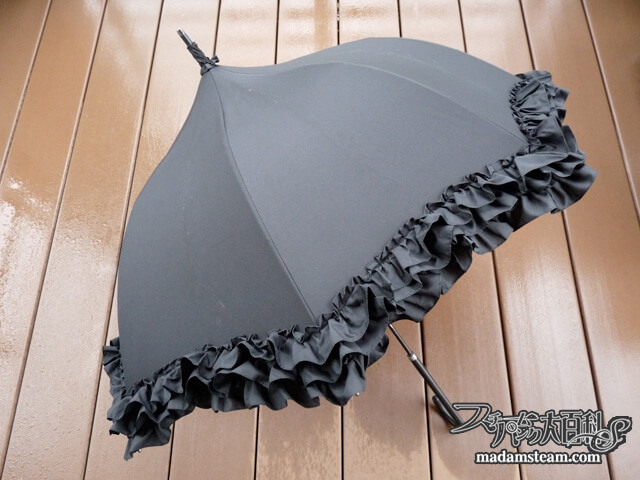 「傘」150年前には持つのも命がけ