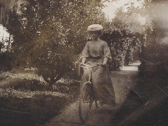 「昭和レトロ自転車(2)」女性と自転車の歴史