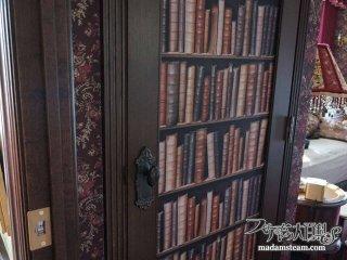 本棚? いいえトロンプルイユ(だまし絵)の隠し部屋です【蒸気邸改造記17】