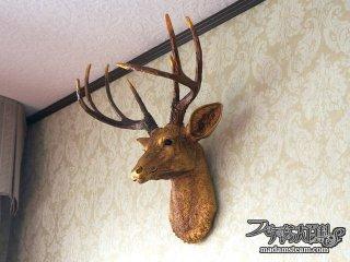 暖炉の上の鹿の頭(ハンティングトロフィー)【暖炉周りの改造(2)】