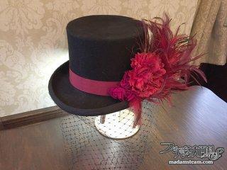 造花と羽で作るネオヴィクトリアンな帽子飾り(コサージュ)