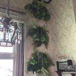 増殖する植物!? 人工観葉植物を使った船舶窓の壁飾りのつくり方