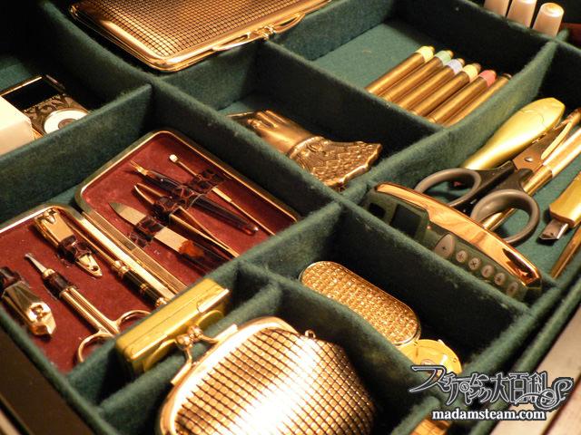 金色の文房具
