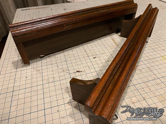 セリア商品で作るベッド脇の木製ウォールラック
