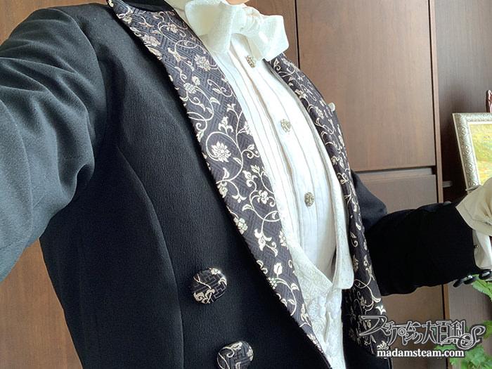 黒留袖とで作る燕尾服