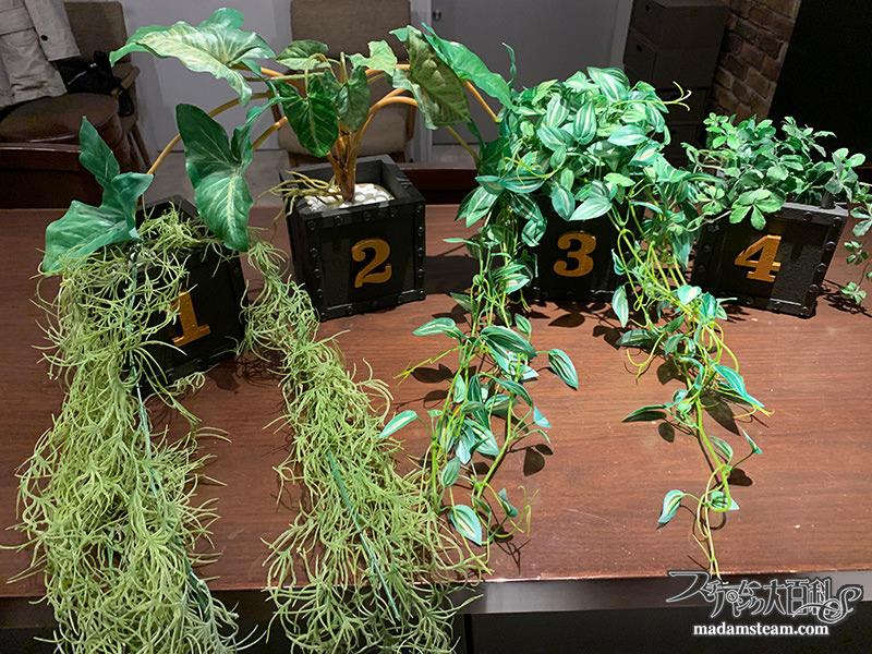 アイアン風の植木鉢カバー